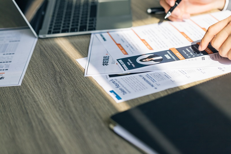 招聘时,HR需要考虑背景调查的注意事项